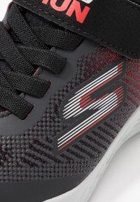 Skechers - GO RUN 600 - Sneaker low - black/red/charcoal - 2