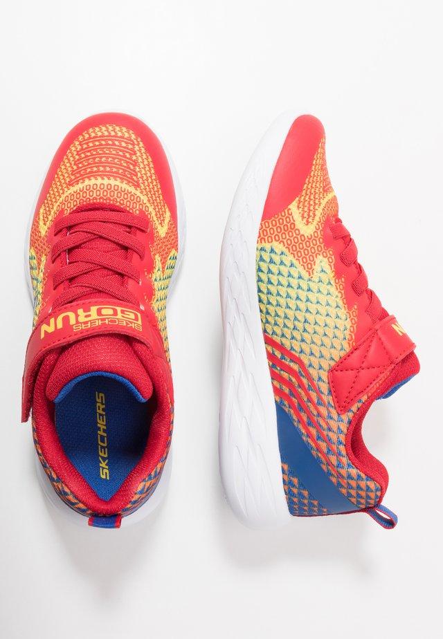 GO RUN  - Zapatillas - yellow/blue/red