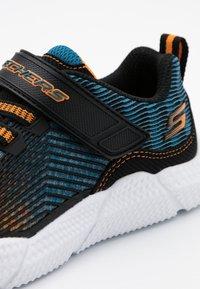 Skechers - INTERSECTORS PROTOFUEL - Tenisky - black/blue/orange - 5