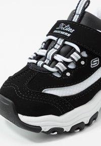 Skechers - D'LITES - Trainers - black/white - 2