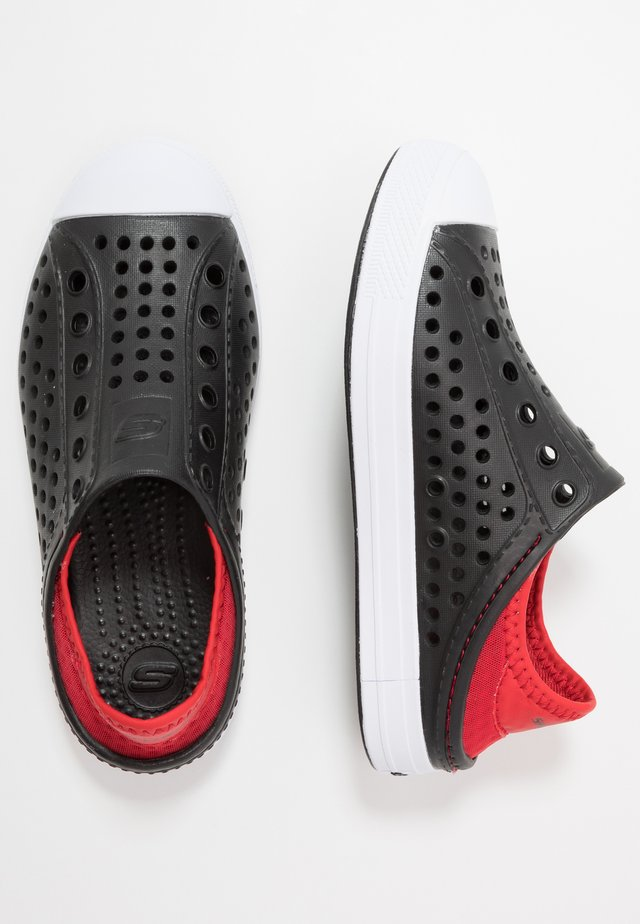 GUZMAN STEPS - Instappers - black/red/white