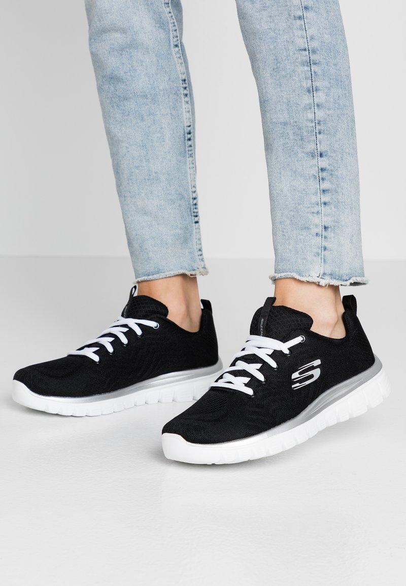 Skechers Sport - GRACEFUL - Sneakers laag - black/white