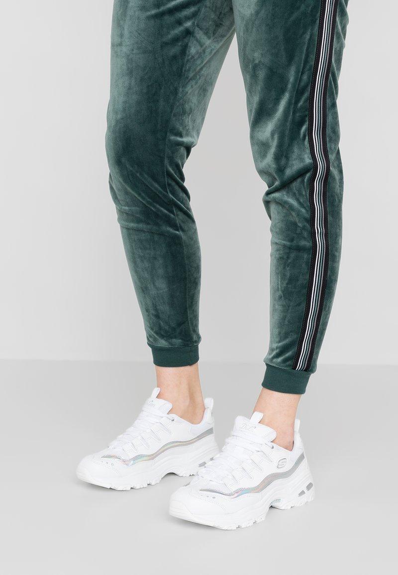 Skechers Sport - D'LITES - Sneakersy niskie - white/silver