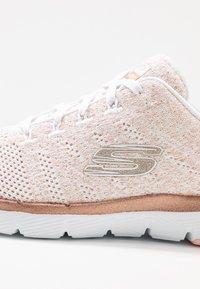 Skechers Sport - FLEX APPEAL 3.0 - Zapatillas - white/rose gold - 2
