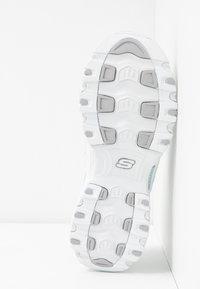 Skechers Sport - D'LITES - Tenisky - white/silver glitter - 6