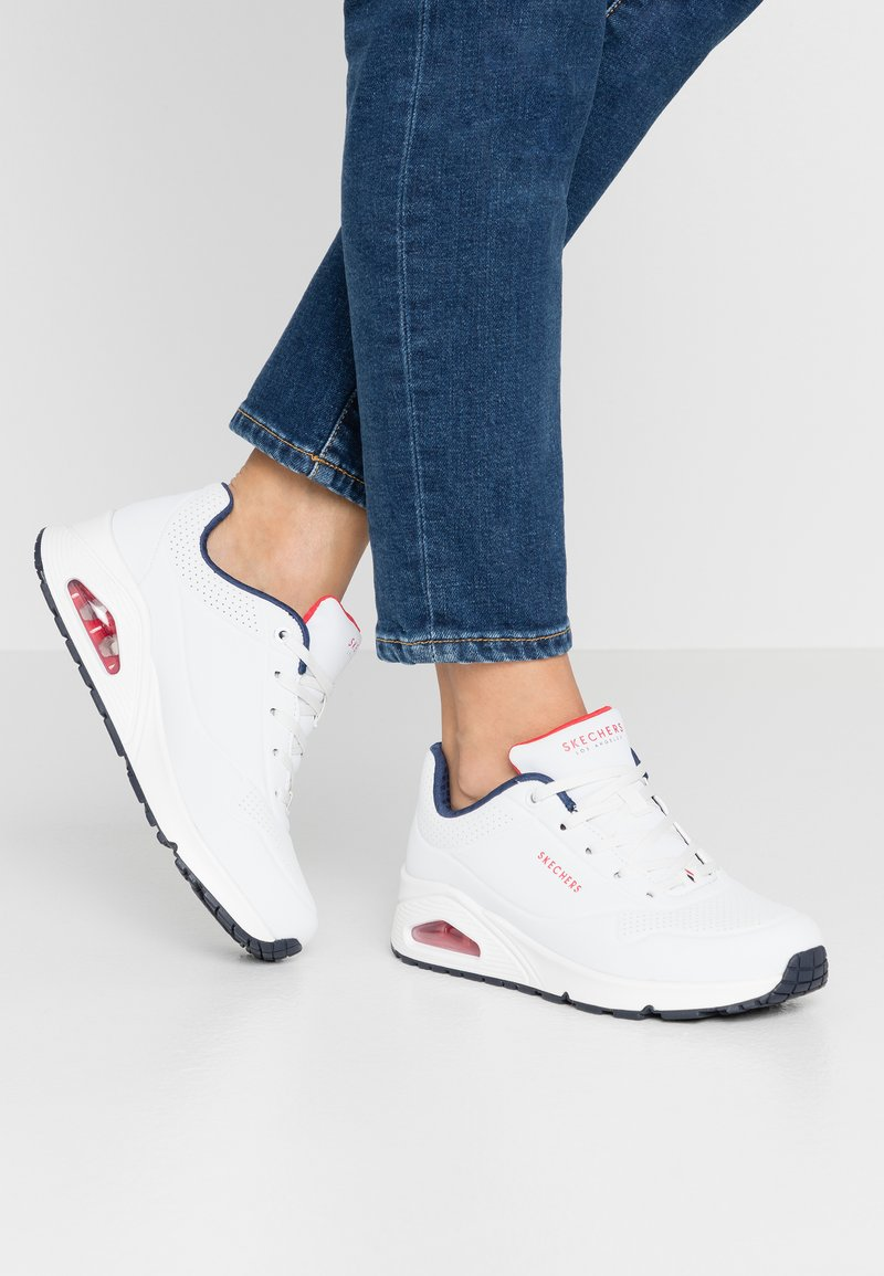 Skechers Sport - UNO - Trainers - white/navy/red