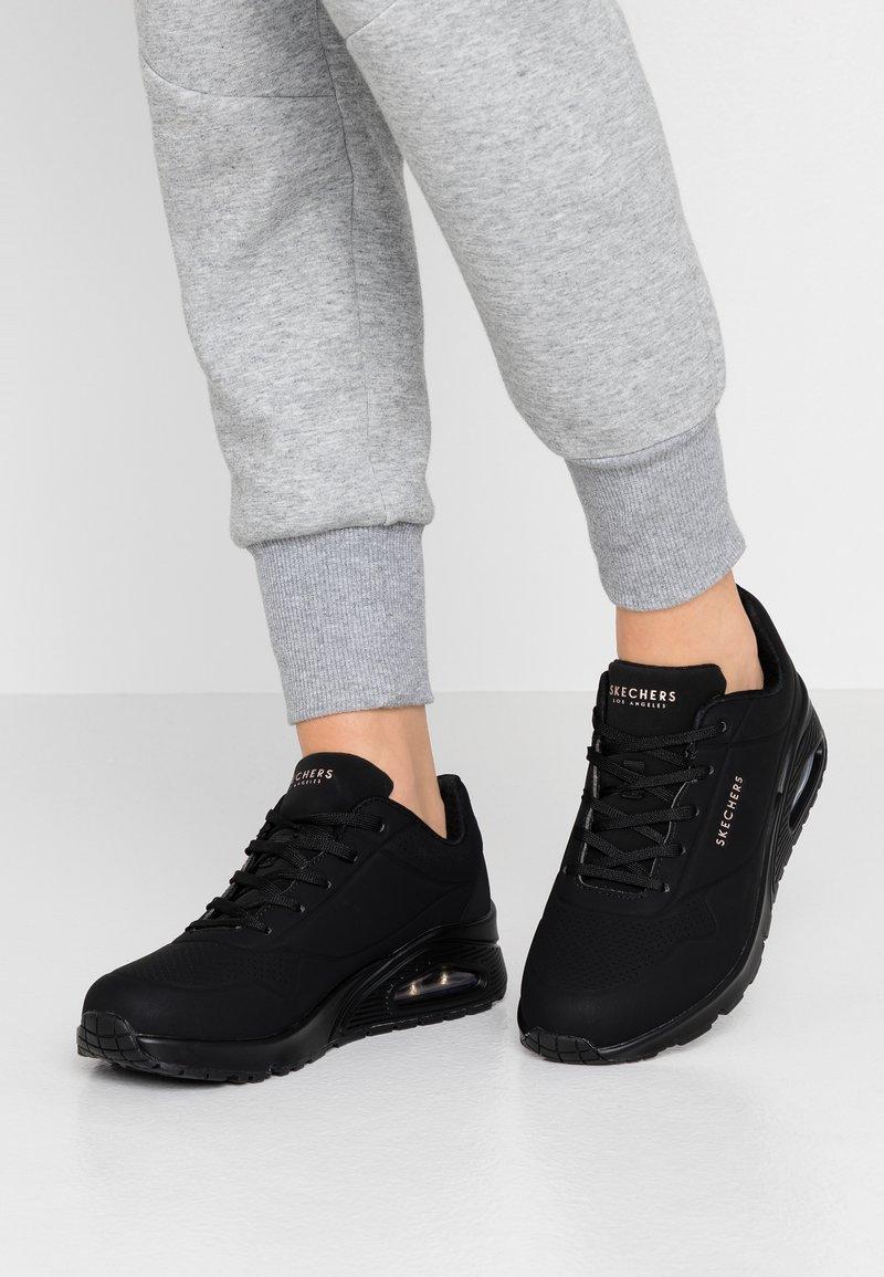 Skechers Sport - UNO - Sneakers laag - black