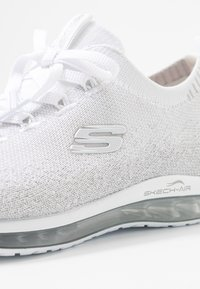 Skechers Sport - SKECH AIR  - Mocasines - white/silver - 2