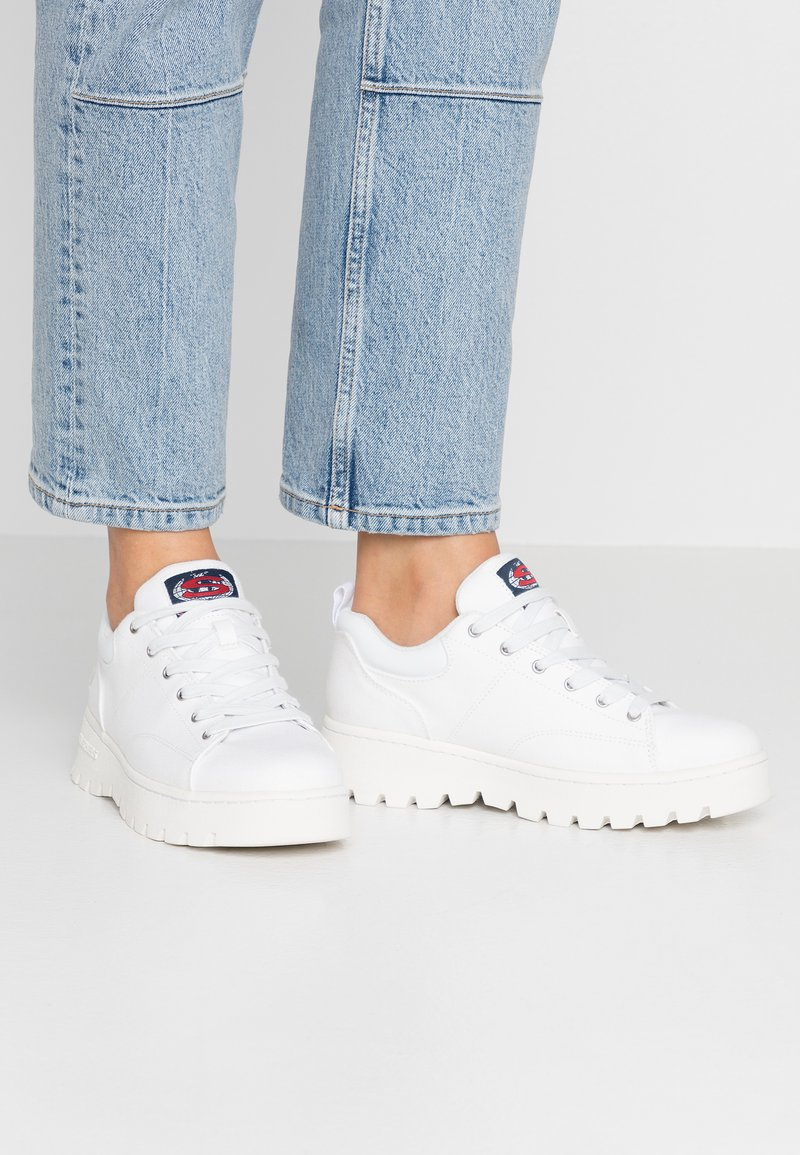 Skechers Sport - CLEATS - Zapatillas - white