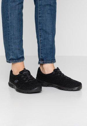 GOOD IDEA - Nazouvací boty - black