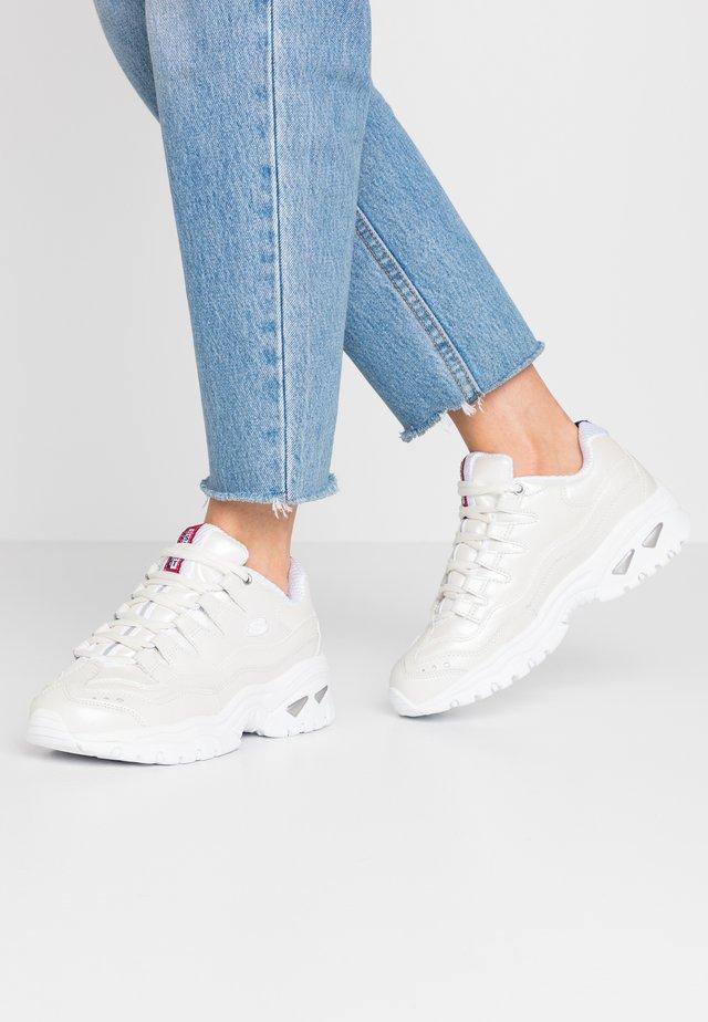 ENERGY - Sneakers laag - white metallic