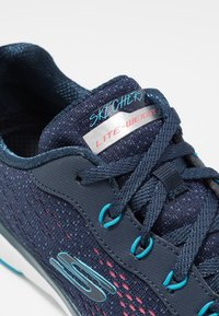 Skechers Sport - FLEX APPEAL 3.0 - Sneakers laag - navy/blue/pink - 2
