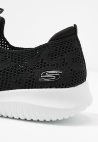 Skechers Sport - ULTRA FLEX - Sneakers laag - black/white - 2