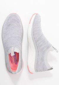 Skechers Sport - SOLAR FUSE - Slip-ons - gray/pink - 3
