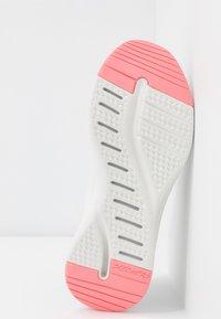 Skechers Sport - SOLAR FUSE - Slip-ons - gray/pink - 6