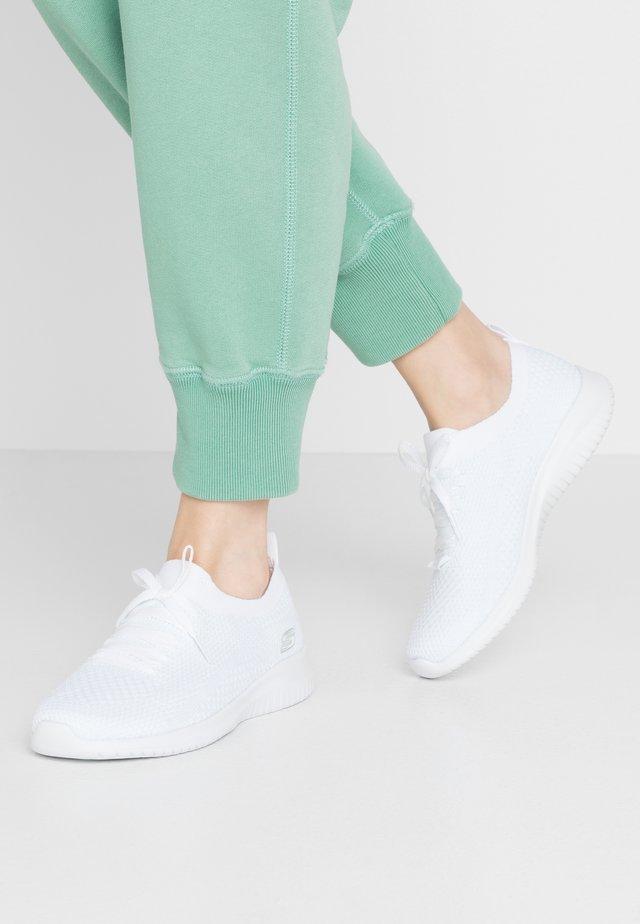 ULTRA FLEX - Loaferit/pistokkaat - white