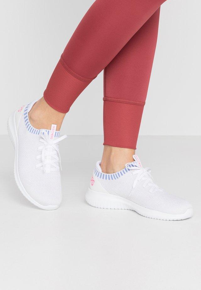 ULTRA FLEX - Loaferit/pistokkaat - white/blue/pink