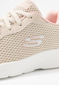 Skechers Sport - DYNAMIGHT 2.0 - Joggesko - natural/coral - 2