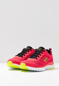 Skechers Sport - ULTRA GROOVE - Trainers - hot coral/black/lime - 4