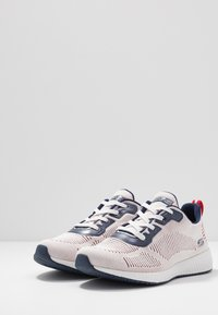 Skechers Sport - BOBS SQUAD - Sneakers laag - white/navy/red - 4