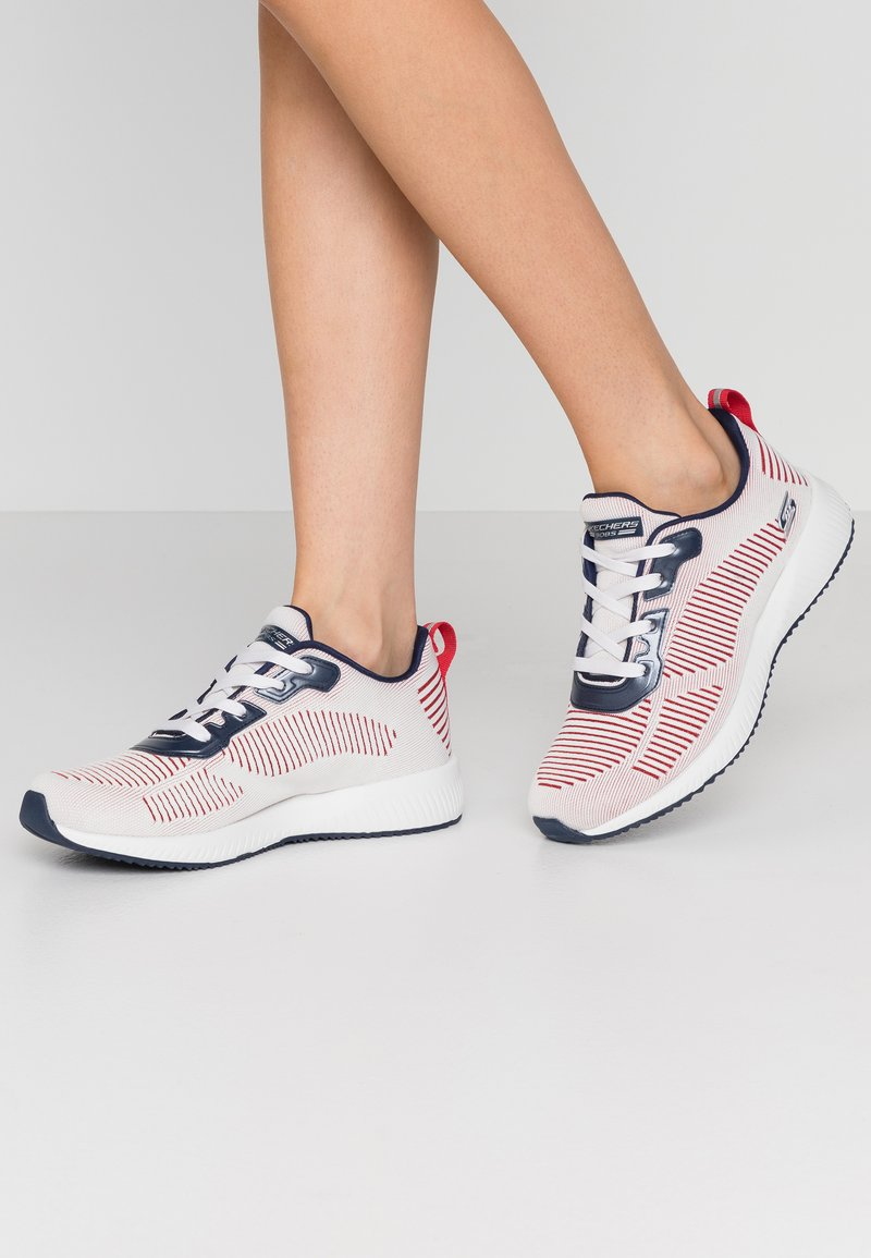 Skechers Sport - BOBS SQUAD - Sneakers laag - white/navy/red