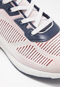 Skechers Sport - BOBS SQUAD - Sneakers laag - white/navy/red - 2