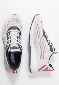 Skechers Sport - BOBS SQUAD - Sneakers laag - white/navy/red - 3