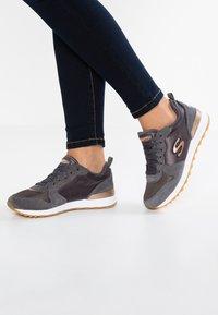 Skechers Sport - OG 85 - Trainers - charcoal/rose gold - 0