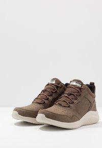 Skechers Sport - ULTRA FLEX 2.0 - Sneaker high - choc - 2