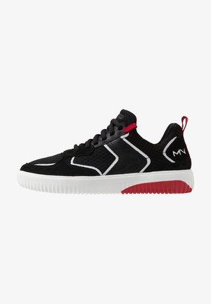 RIDGE - Sneakersy niskie - black/red