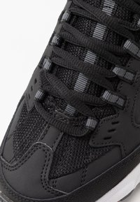 Skechers Sport - STAMINA - Sneakersy niskie - black/red - 5