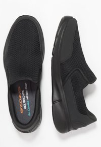 Skechers Sport - EQUALIZER 3.0 RELAXED FIT - Slip-ons - black - 1