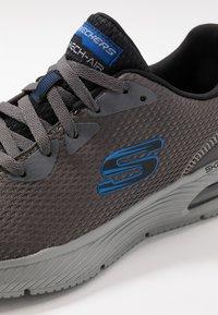 Skechers Sport - DYNA-AIR - Sneaker low - charcoal/black - 5