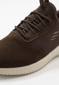 Skechers Sport - BOUNDER - Sneaker low - brown - 5