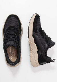 Skechers Sport - BLOCK - Trainers - black/tan - 1