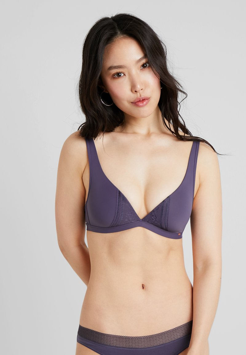 Skiny - Triangel-BH - purple sky