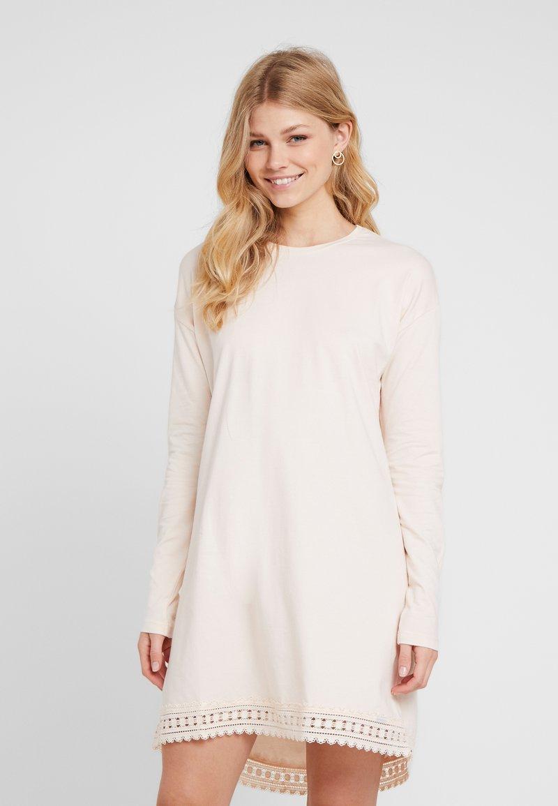 Skiny - ETERNITY SLEEP LANGARM - Noční košile - shell