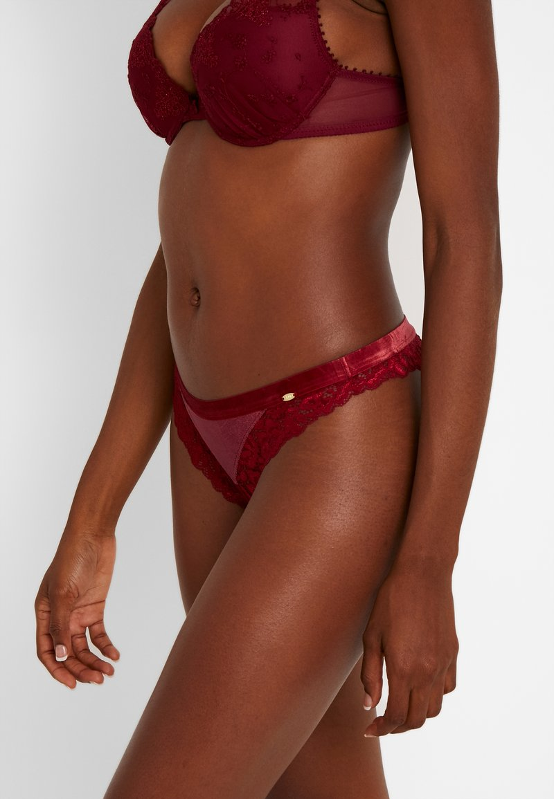 Skiny - DREAM - Tanga - rubin red