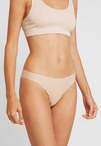 Skiny - MICRO LOVERS RIO - Kalhotky/slipy - beige - 0