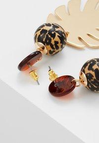 Skinnydip - LEAFY DROP - Boucles d'oreilles - gold-coloured - 2