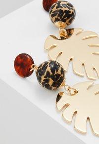 Skinnydip - LEAFY DROP - Boucles d'oreilles - gold-coloured - 4