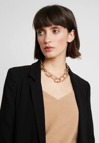 Skinnydip - CHUNKY NECKLACE - Necklace - gold-coloured - 1