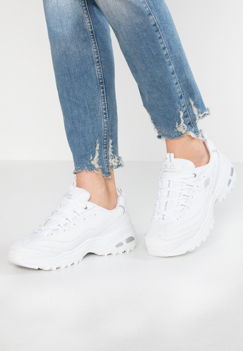 Skechers Wide Fit - WIDE FIT D'LITES - Sneakers laag - white