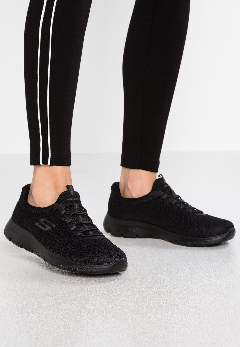 Skechers Wide Fit - SUMMITS - Sneakers laag - black