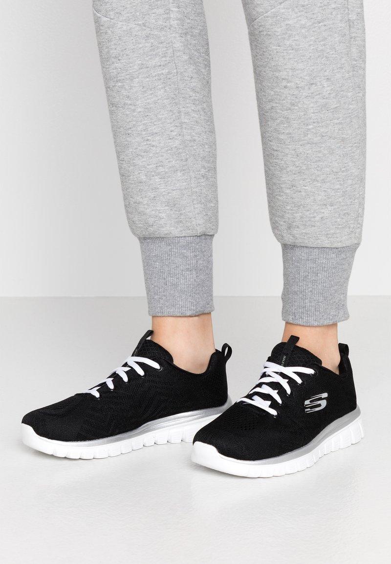 Skechers Wide Fit - GRACEFUL WIDE FIT - Sneakers laag - black/white