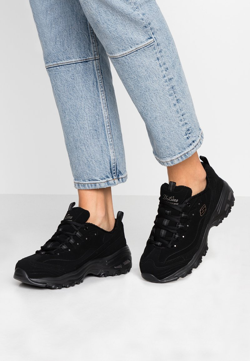 Skechers Wide Fit - WIDE FIT D'LITES - Zapatillas - black