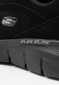 Skechers Wide Fit - SYNERGY 3.0 - Sneakers laag - black - 2