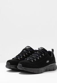 Skechers Wide Fit - SYNERGY 3.0 - Sneakers laag - black - 4