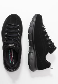 Skechers Wide Fit - SYNERGY 3.0 - Sneakers laag - black - 3