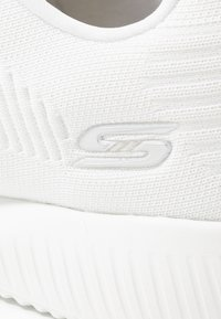 Skechers Wide Fit - BOBS SQUAD - Sneakers laag - white - 2